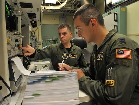 -icbm missile crew af photo.jpg_20141007.jpg
