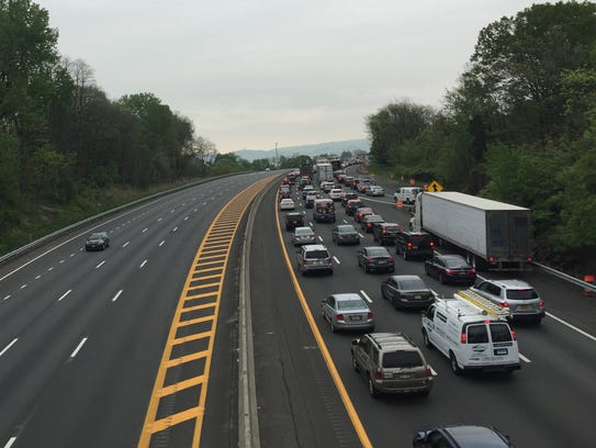 A view of the traffic heading toward the southbound
