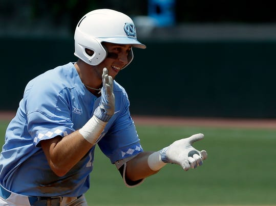 CWS_North_Carolina_Offense_Baseball_33582.jpg