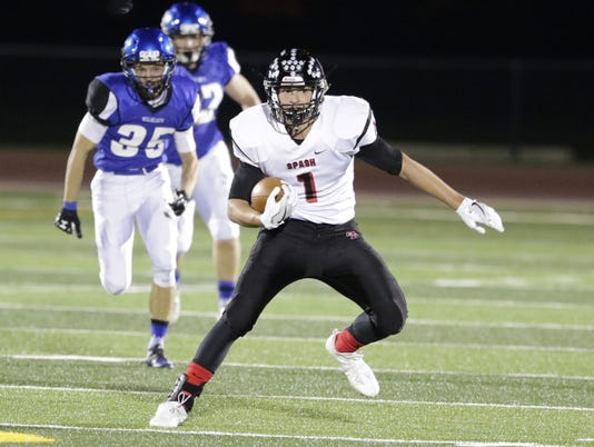 636395279137079716-OSH-Stevens-Point-v-Oshkosh-West-100716-JS-14.jpg