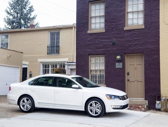 2014 VW Passat front