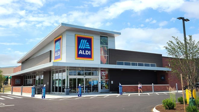 The new Aldi grocery store is now open on Woodbury Avenue in Newington at the site of the former Bugaboo Creek Steakhouse.