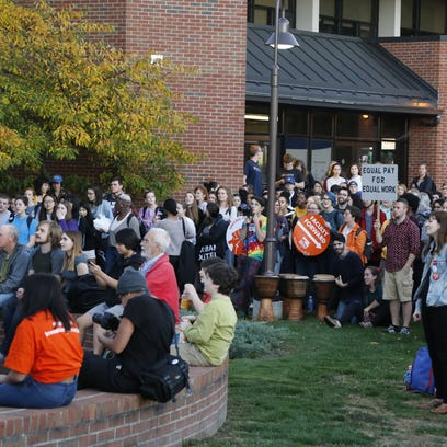 Students and faculty rally for contingent faculty in