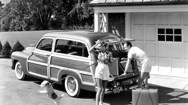 Families are open to vacations at the end of the year but are wary of the coronavirus. Most of those who take a trip will go by car. Here's how it was done 70 years ago when families loaded up the station wagon.