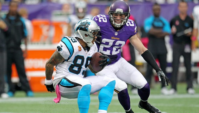 Minnesota Vikings safety Harrison Smith (22) could miss significant time with a turf toe injury.