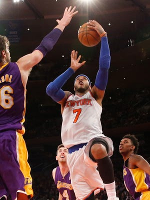 Carmelo Anthony poured in a game-high 35 points for the Knicks.