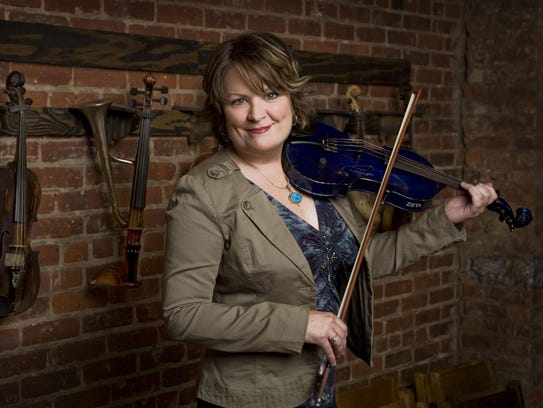 Fiddler Eileen Ivers will return to the Center for