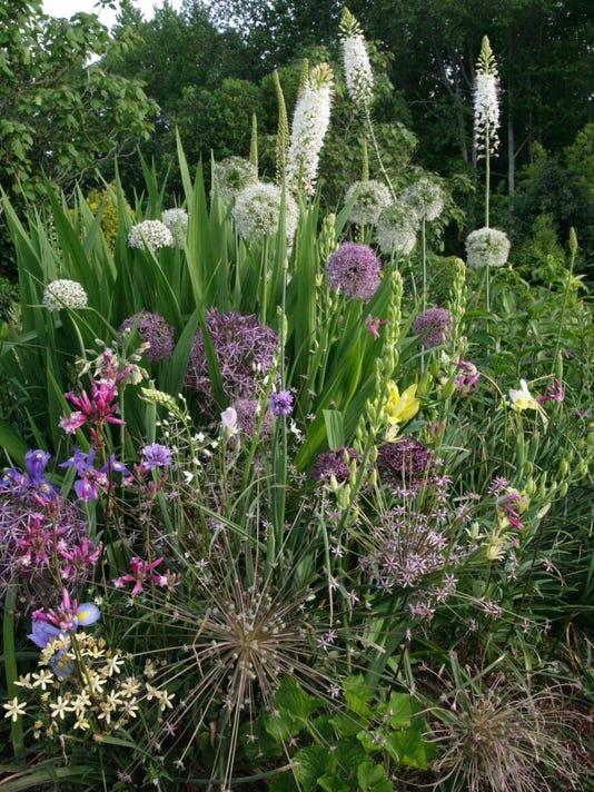 bridge flowers vignette