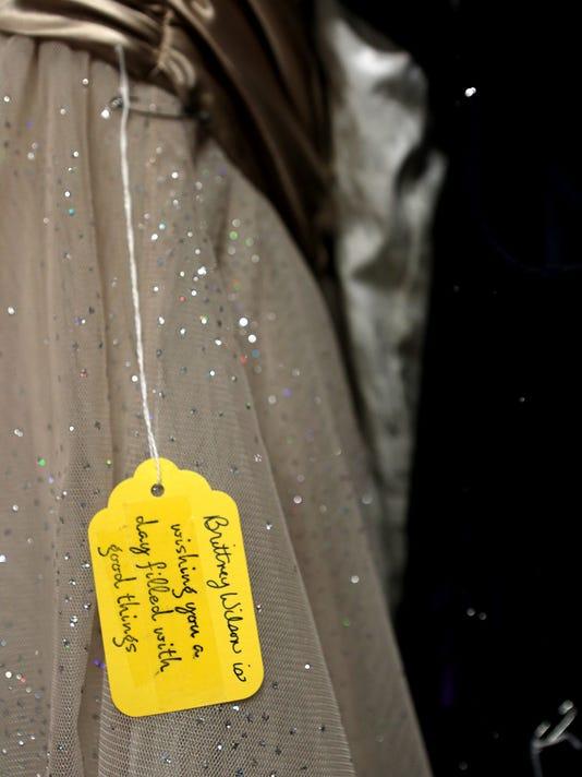new_060914_dress-giveaway_03jp.JPG