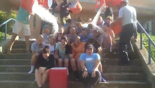 Enka's volleyball team has taken the ALS Ice Bucket Challenge.