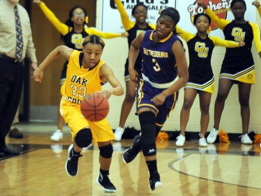 635894446452989441-HHS-vs-Oak-Grove-girls-basketball-4.jpg