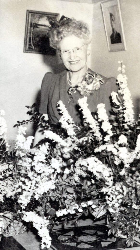 Mrs. Alma Bartlett, 705 Arizona St.