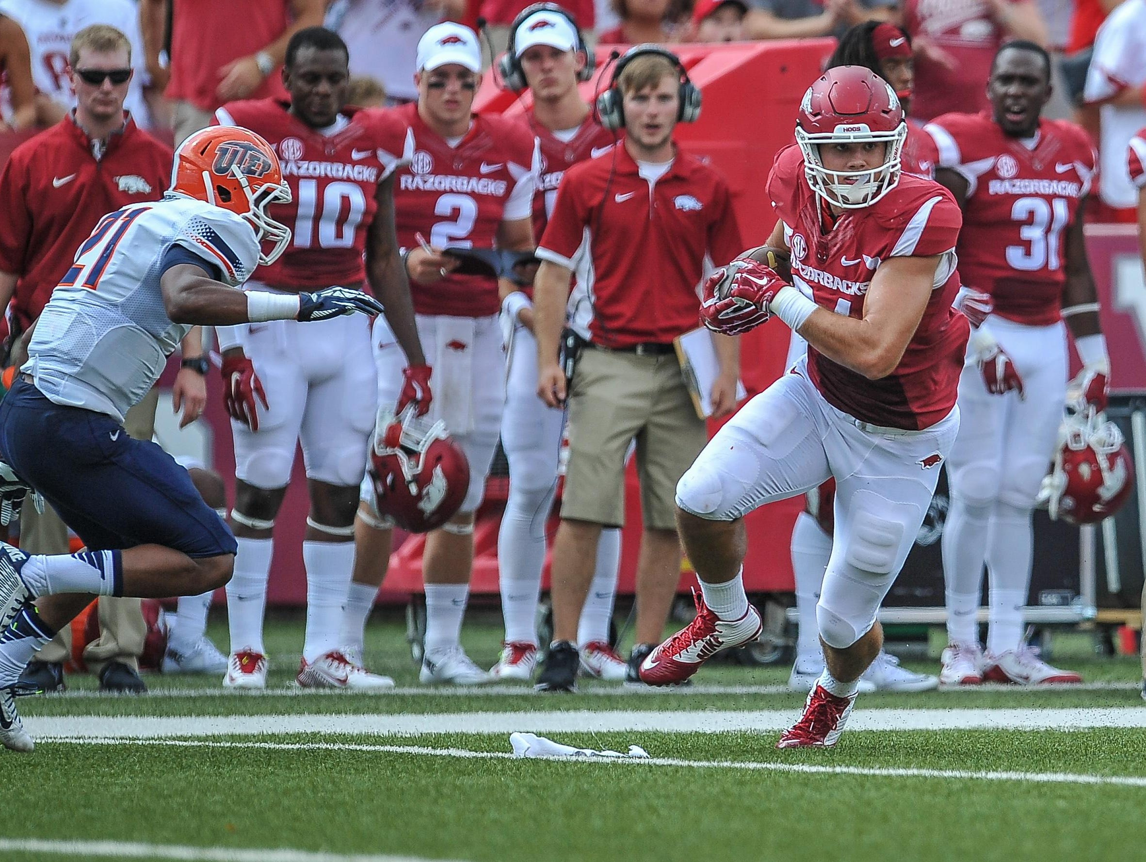 Twice an All-SEC selection, Hunter Henry opened the 2015 season with two catches for 42 yards in Arkansas' win over UTEP last Saturday at Reynolds Razorback Stadium.