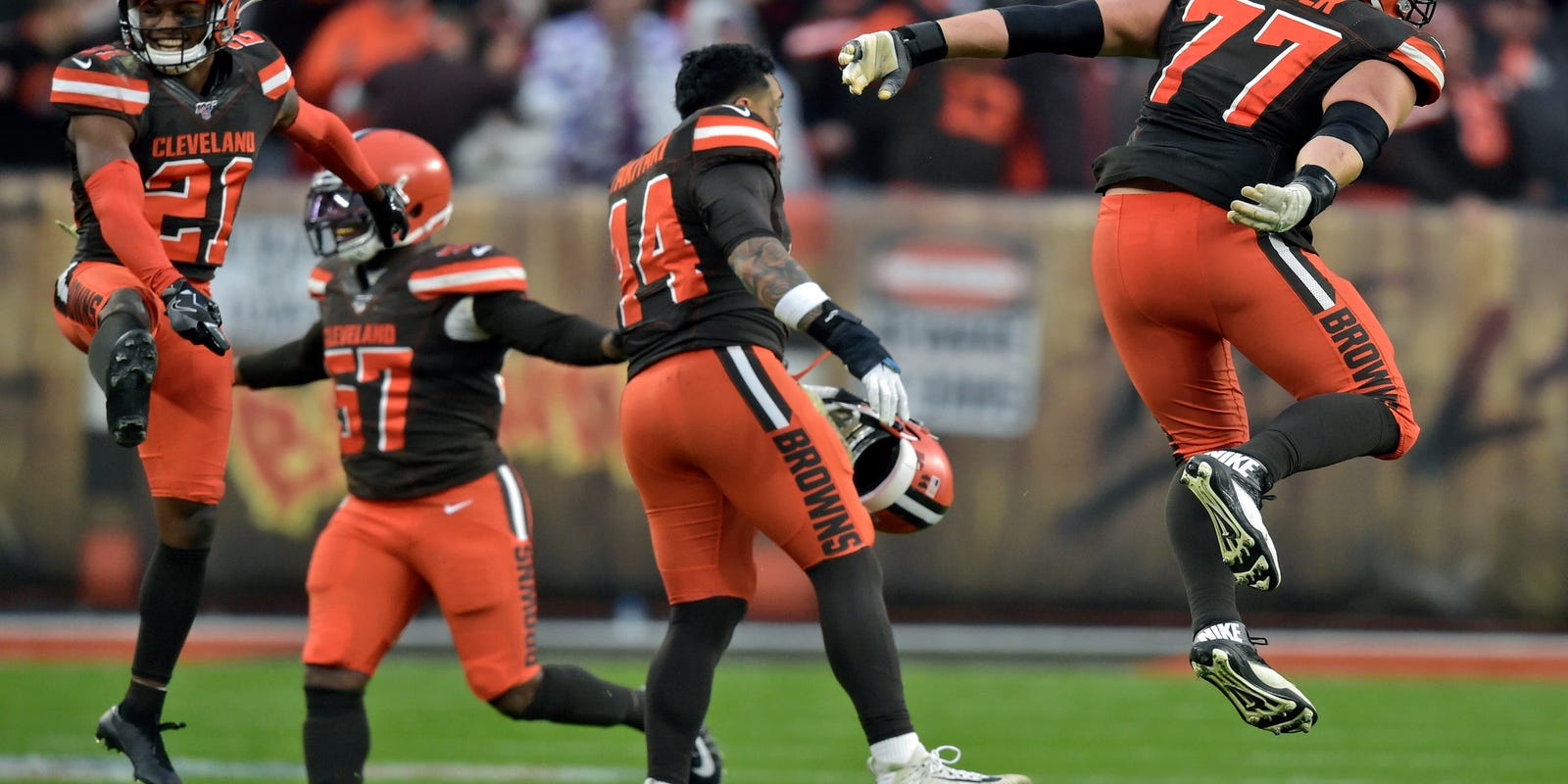 Browns take step forward in strange, unpredictable season