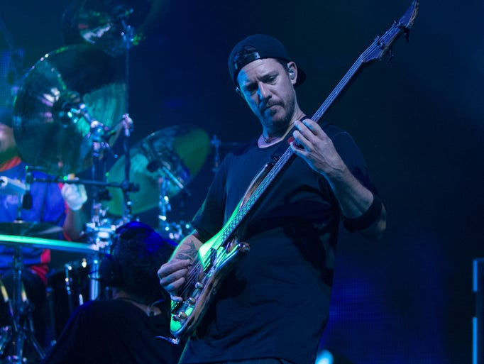 dave matthews website review Entertainment - masslivecom concert review: dave matthews band delivers two sets at xfinity theatre in hartford.