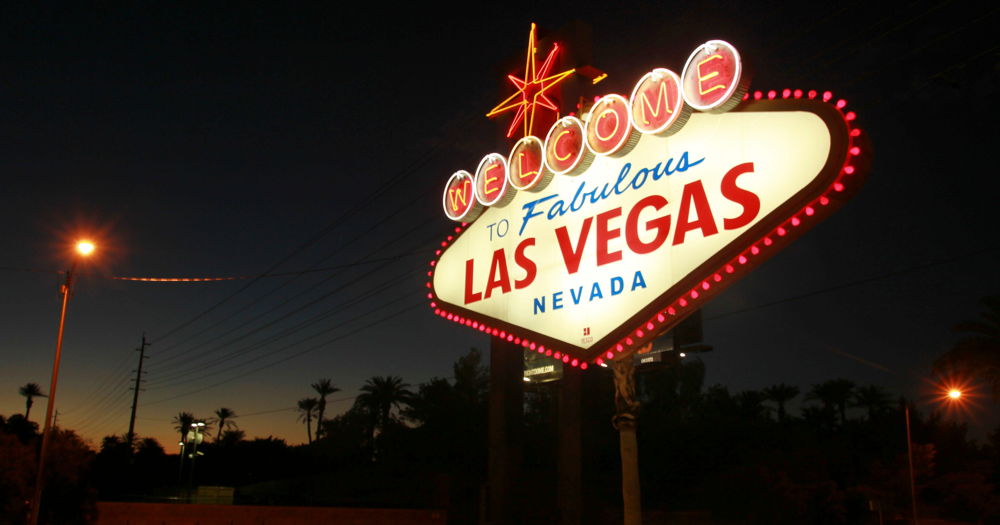 Welcome To Fabulous Las Vegas Sign Designer S At 91