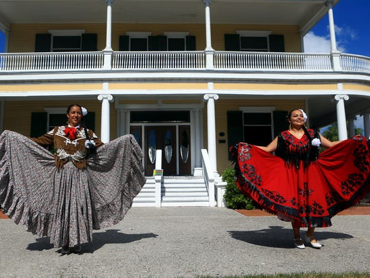 Dancers from Ballet Folklorico Viva Mexico perform