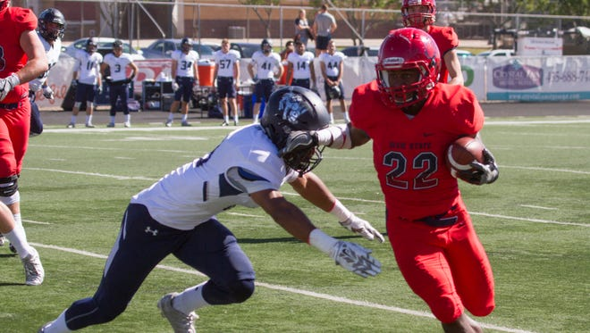Colorado School of Mines defeats Dixie State University 62-27 Saturday, Oct. 22, 2016.