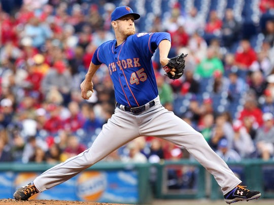The Mets' Zack Wheeler pitches in the first inning Thursday against the Phillies in Philadelphia.
