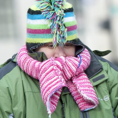 Metro Detroiters faced with low wind chills should bundle up and avoid long periods outdoors, according to the weather service