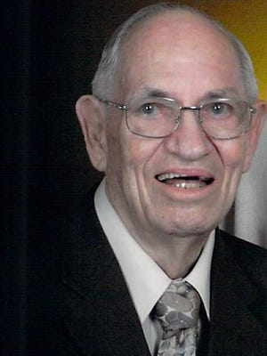 Warren W. William, of Fort Collins, passed away May 23, 2015. He was born on April 6, 1928.