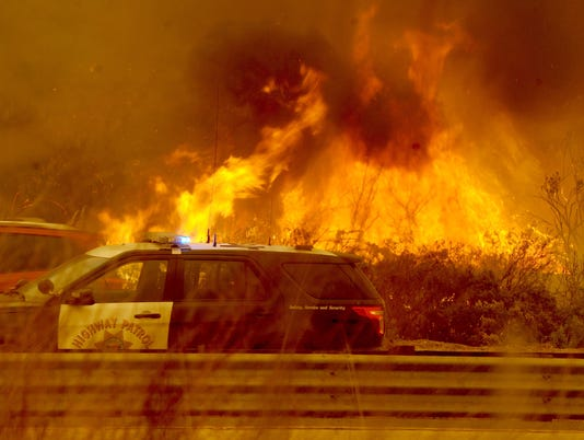 USP NEWS: CALIFORNIA WILDFIRES A USA CA