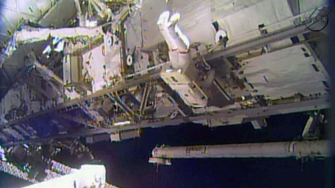 Astronauts make good progress on space station repairs for Space station usa