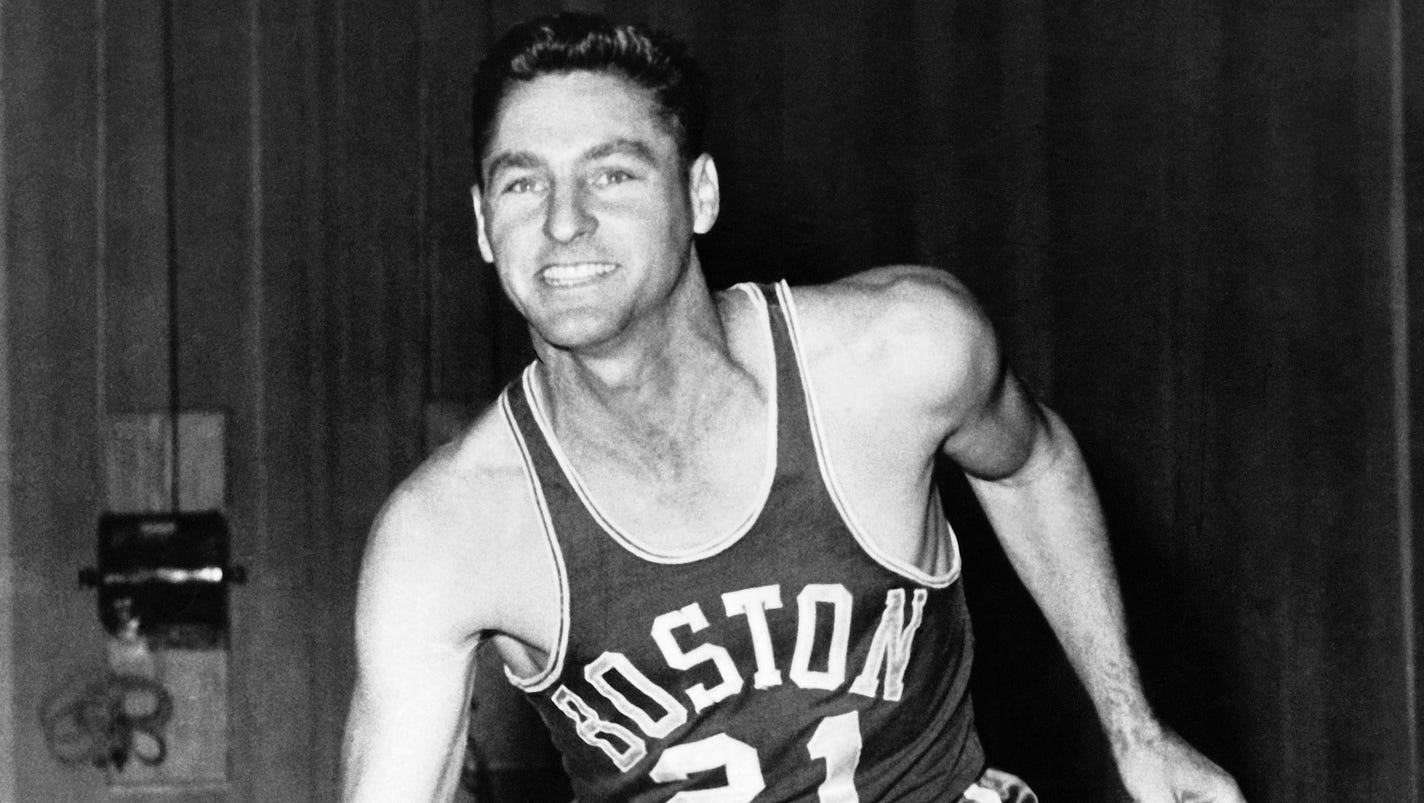 Celtics and Lakers legend Bill Sharman s at age 87