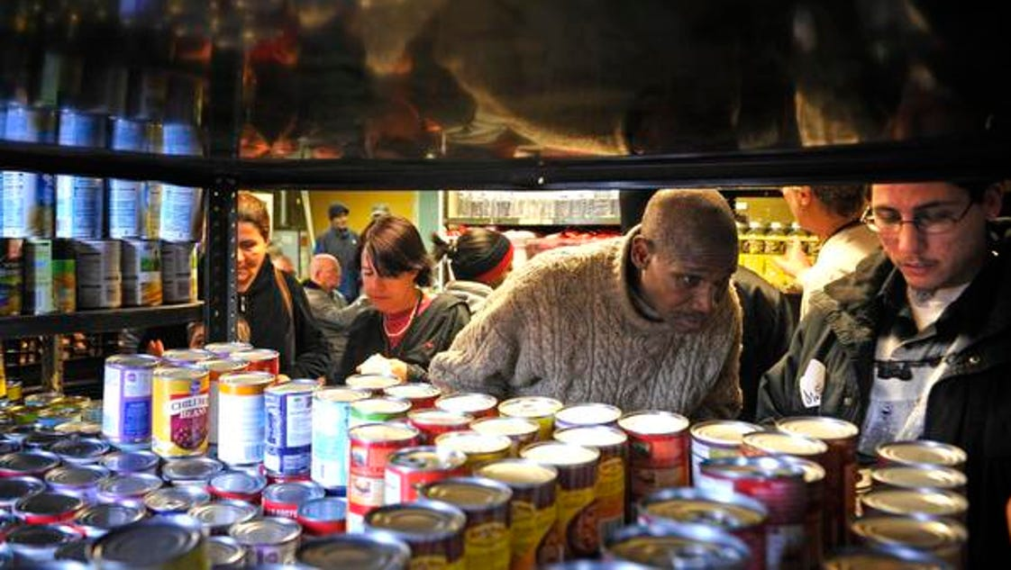 nashville 39 s little pantry offers needy more than food