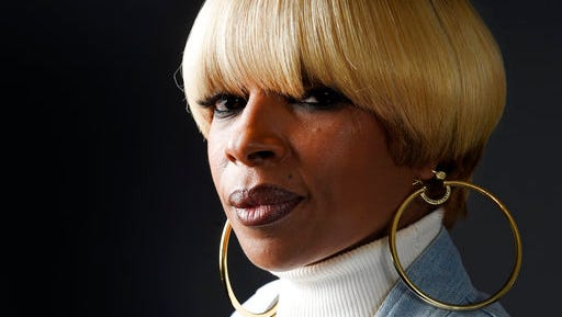 "In this April 25, 2017 photo, singer Mary J. Blige poses for a portrait at Capitol Records in Los Angeles to promote her new album, ""Strength of a Woman."""