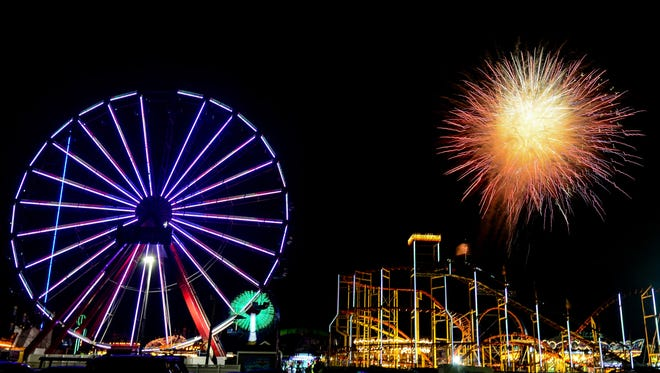The fireworks lit up the sky in Ocean City as the end of the 2017 4th of July Celebration comes to an end on Tuesday July 4, 2017.