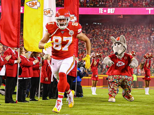 Kansas City Chiefs tight end Travis Kelce (87) takes the field before the game against the Green Bay Packers at Arrowhead Stadium.