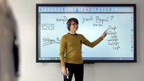 """AndréMuller is teaching the language spoken in the """"Star Trek"""" universe."""