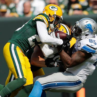 Green Bay Packers cornerback Damarious Randall takes
