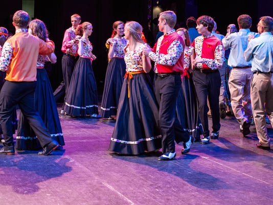 Cole Mountain and Folk Heritage Cloggers at MDFF 2014
