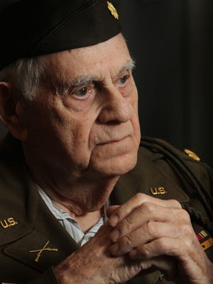 Maurice Kaye recounts his D-Day experiences in an interview in June 2013. Kaye, one of thousands to land on Omaha Beach, died in April at age 95.