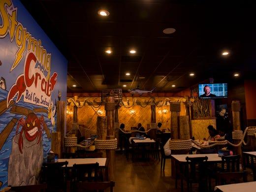 Storming Crab restaurant open in Clarksville
