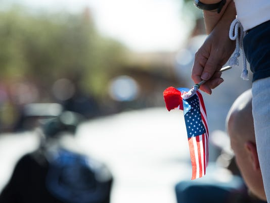 11112016-VeteransDayParadeLC-7.jpg