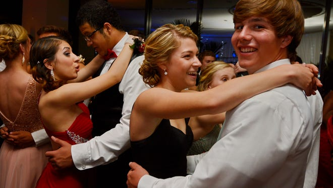 St. Joseph's 2014 Prom was held Saturday, April 26, 2014 at the Commerce Club.