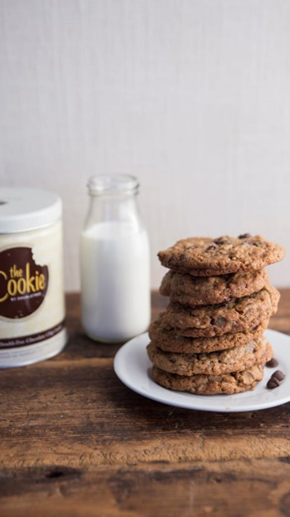 DoubleTree hotels hand out free cookies for the holidays
