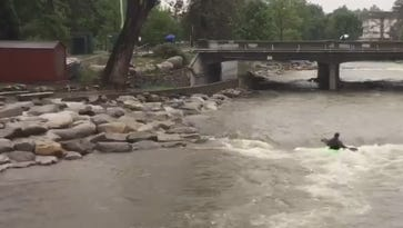 Watch: Kayaker braves driving rain to roll on the Truckee River in downtown Reno