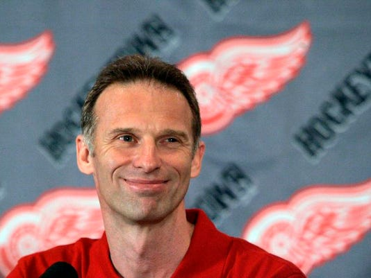 -Red_Wings_Hasek_Retires_Hockey_MICO102.jpg_20080609.jpg