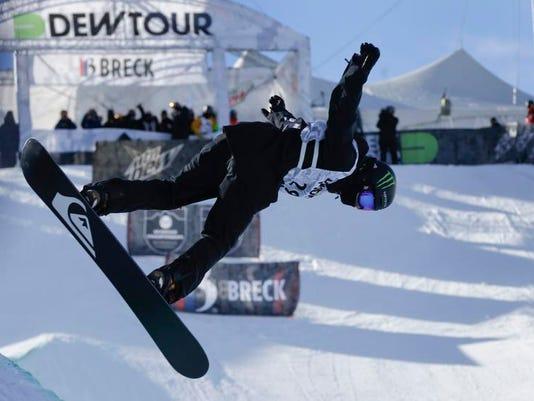 Dew Tour Superpipe Snowboarding
