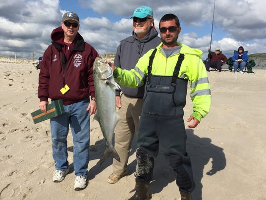 Fishing 25th governor 39 s surf fishing tourney a hit at for Island beach state park fishing