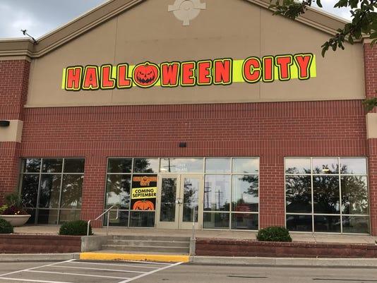 636374488482023290-Halloween-City.JPG