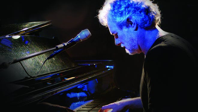 keyboardist Chuck Leavell will be almong the 2016 inductees into the Alabama Music Hall of Fame.