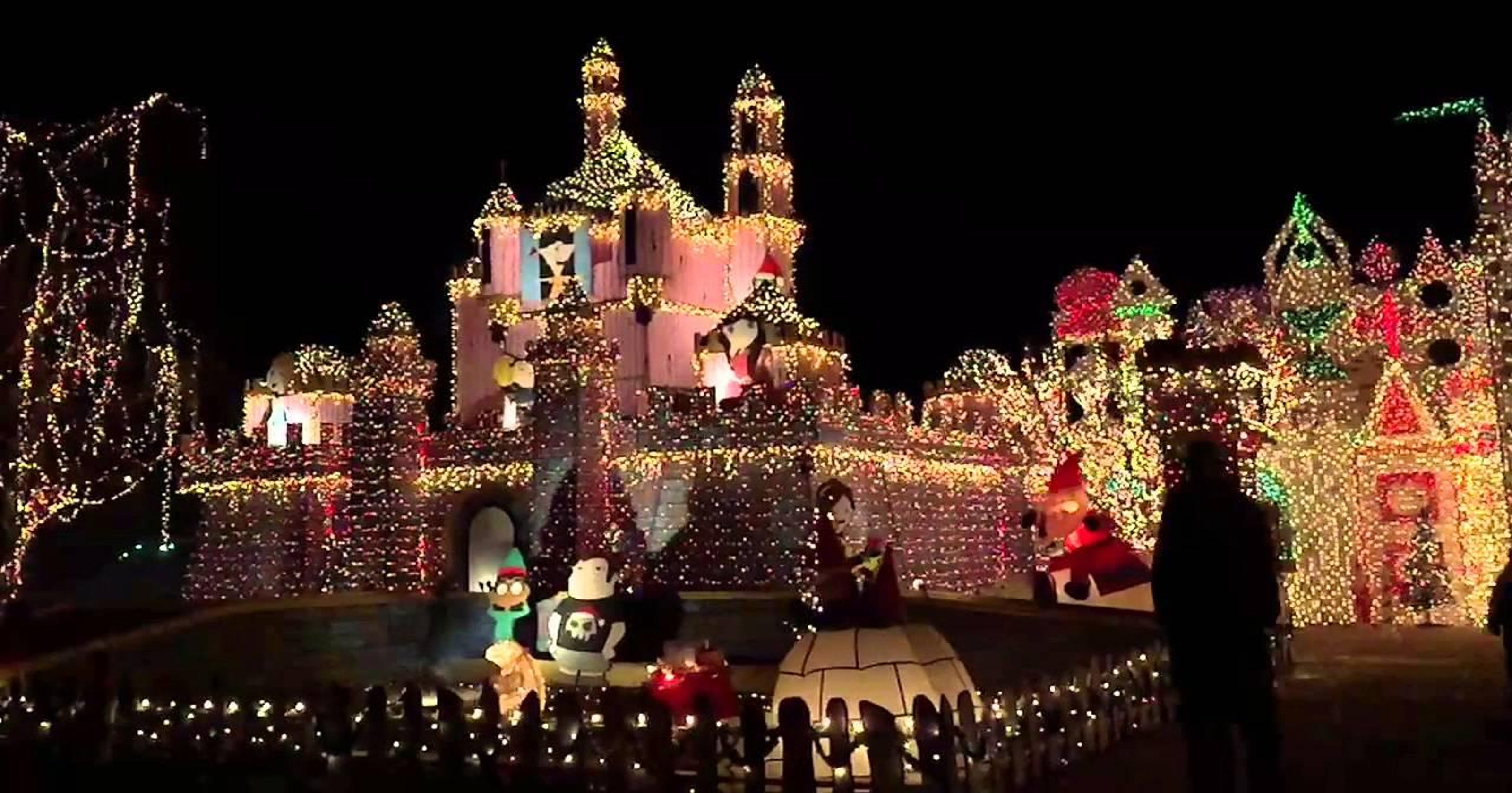 The Great Christmas Light Fight.50 000 At Stake In Abc S The Great Christmas Light Fight