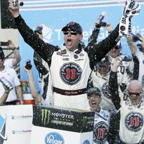 Sunday's motors: Harvick races to 3rd straight victory