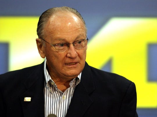 Former Michigan football coach Bo Schembechler talks to the media on Monday, November 13, 2006 at the Junge Family Champions Center on the campus of U-M.