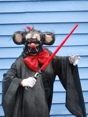 """Mickee Faust Club pays hilarious, ribald tribute to """"Star Wars: The Force Awakens"""""""